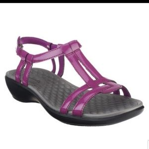 Clarks Patent T-Strap Aster Sandal